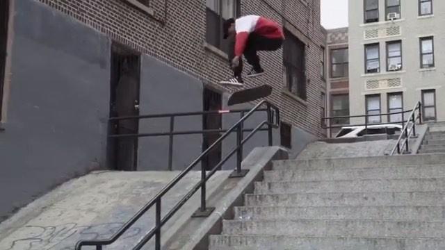 "Boardshop №1 on Instagram: ""Тайшон Джонс 4 года назад на улицах Нью-Йорка!💥 boardshopn1 adidasskateboarding"""