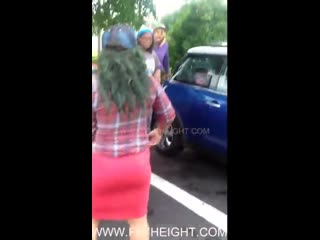 Two girls fight, and skirt flew up😏 . Watch till the end