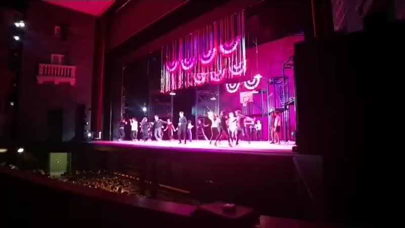 Provando al pianoforte West Side Story al Teatro Carlo Felice, in scena dall 1 al 5 gennaio..mp4
