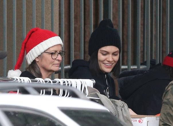Помощь бездомным и ужин с друзьями: как Джесси Джей провела Рождество без Ченнинга Татума С момента, как все западные СМИ написали, что актера Ченнинга Татума и певицу Джесси Джей больше не