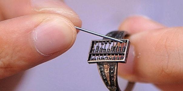 300-летнее китайское кольцо-счеты, использовавшееся торговцами во времена Маньчжурской династии
