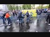 Путинские Фашисты в Российских полицейских мундирах - против простого бедного народа России..