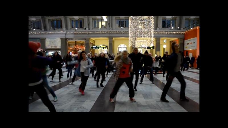 Avicii - LEVELS flashmob 720p