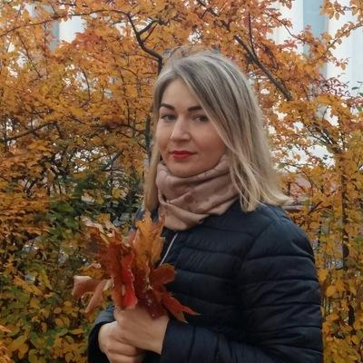 Ася Перова