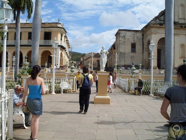 Куба далека! Куба рядом! По просьбе главных героев в публикации не будет их портретов, а вместо этого мои снимки с Кубы. Я думала, конечно,стоит ли рассказывать о какой-то там любви на века. Да