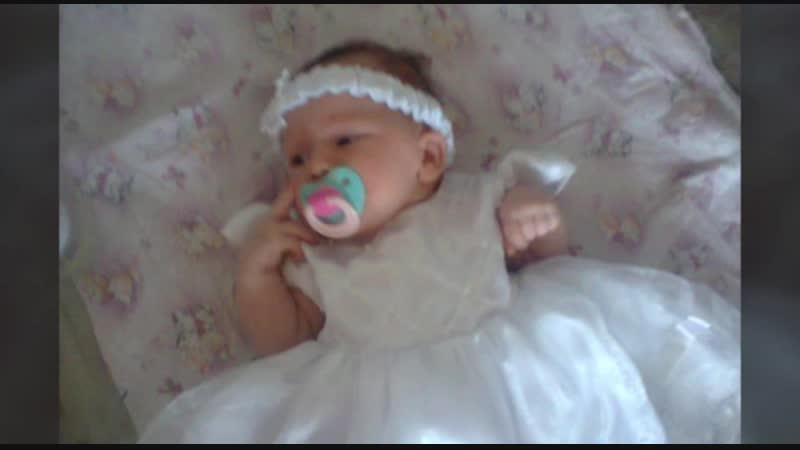 С днем рождения, доченька, милая, Всеми нами сердечно любимая! Улыбайся, пляши, веселись, И за счастье все время борись! Кор