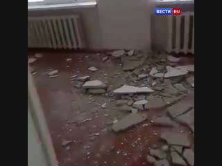 В ишимской школе во время уроков обрушился потолок