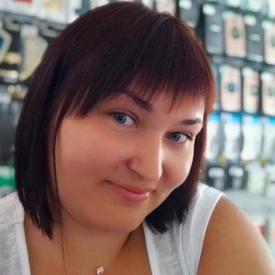 Наташа Асанова