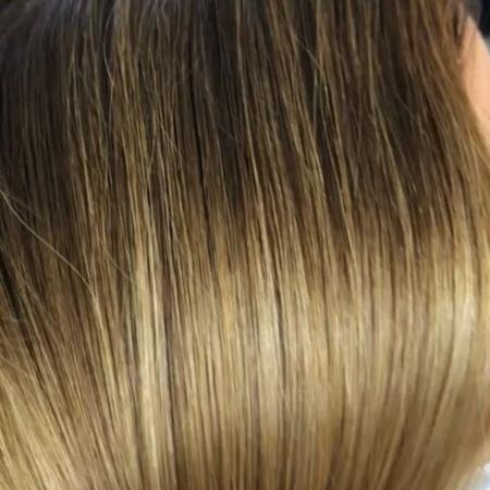 Наращивание HAIRTALK идеально и абсолютно незаметно сливаются с Вашими натуральным волосами! 👌 .  хэиртакл мужскаястрижка фут
