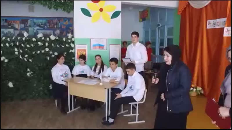 Короткий видеоролик про вчерашнее мероприятие по увековечению памяти бойца махачкалинского ОМОН Хуламагомеда Курбанова.