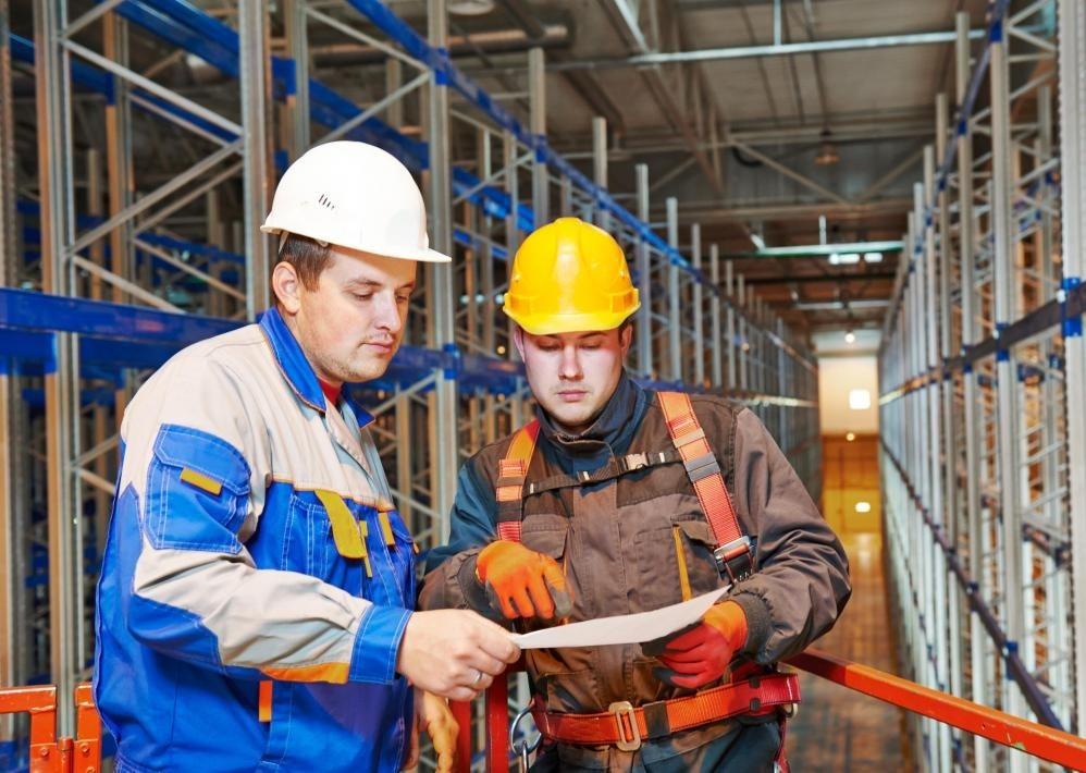 Инженеры по строительным системам могут работать в тесном контакте с менеджером строительных проектов, поскольку проекты реализованы.
