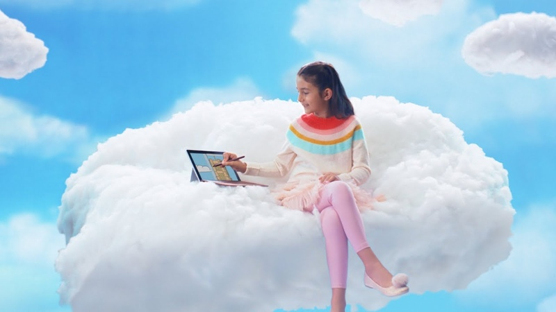 Surface Go 2018 Holiday Ad: Grandma Got Run Over by a Reindeer Remix