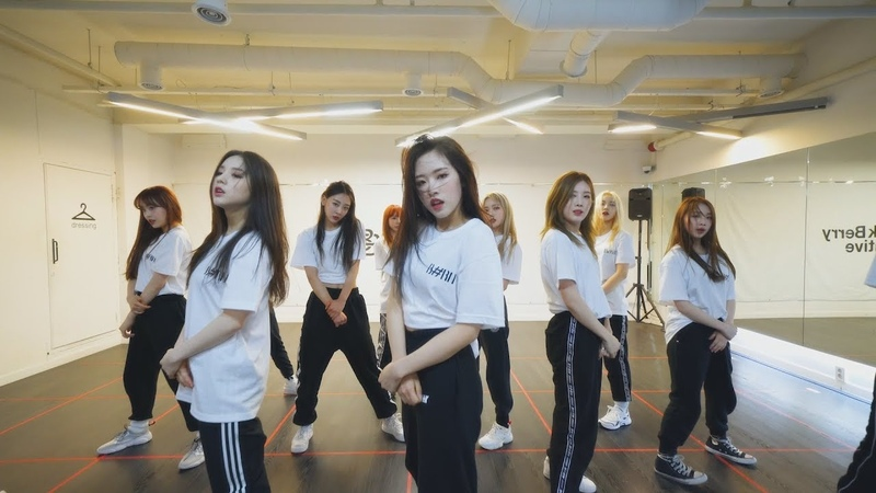 LOONA (이달의 소녀) [BTS (방탄소년단) - 불타오르네 (FIRE) [Dance Cover] ГруппаЮжнаяКорея
