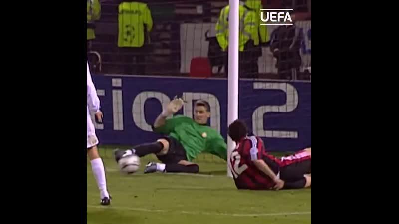 Сейвы Касильяса в финале ЛЧ-2002