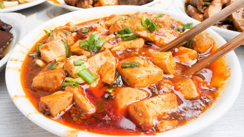One of the BEST Chinese Street Food Joints in Chengdu, China | BEST Chinese Cooking and Mapo Tofu!