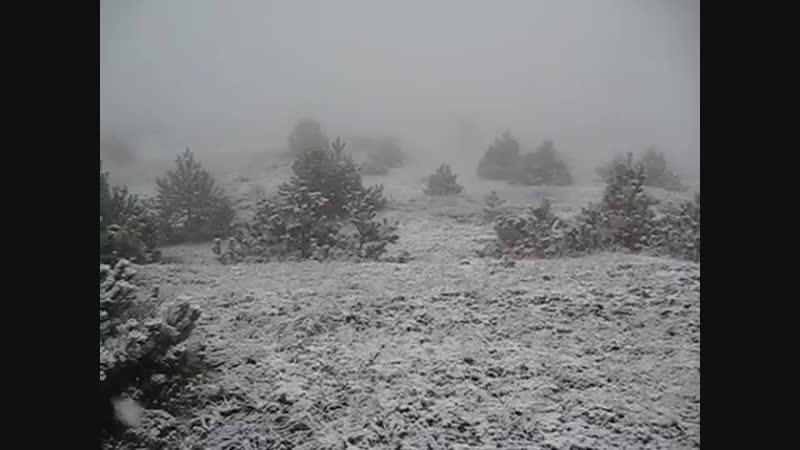 Необычно ранний снег в Феодосии