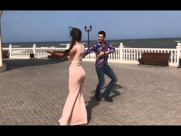 Девушка Очень Красиво Танцует В Дагестане С Парнями 2018 Лезгинка ALISHKA AZARINA ELVIN (Каспийск)