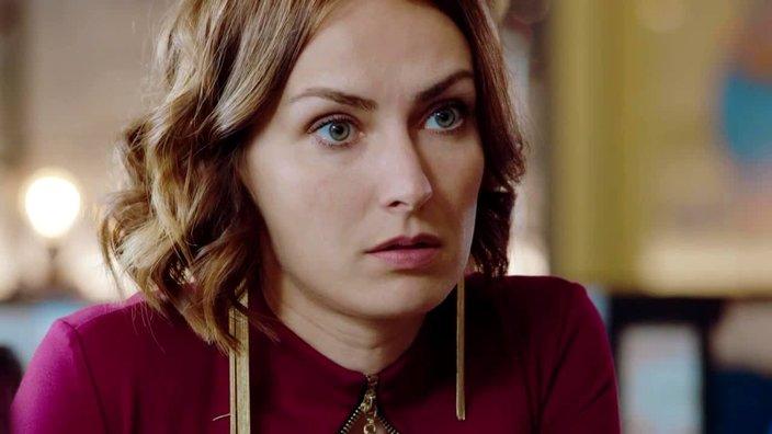 Смотреть онлайн сериал Идеальная жена 2018 1 сезон 3 серия бесплатно в хорошем качестве
