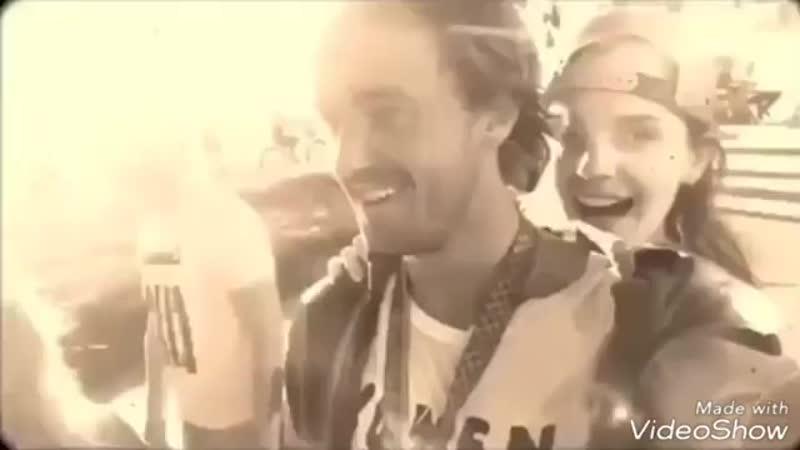 Эмма Уотсон и Том Фелтон катаются на скейте и обнимаются с музыкой и отрывками из жизни