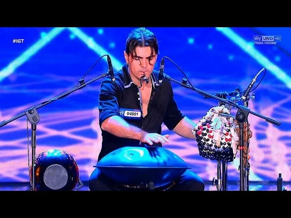 ITALIA'S GOT TALENT - Loris Lombardo - Standing ovation - (handpan)