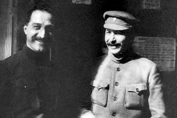Серго Орджоникидзе Серго Орджоникидзе известен тем, что поднял промышленность СССР до невиданных высот. Этот государственный деятель действительно творил историю. При этом, исходя из