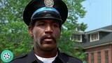 Хайтауэр переворачивает полицейскую машину.. Полицейская академия (1984) год.