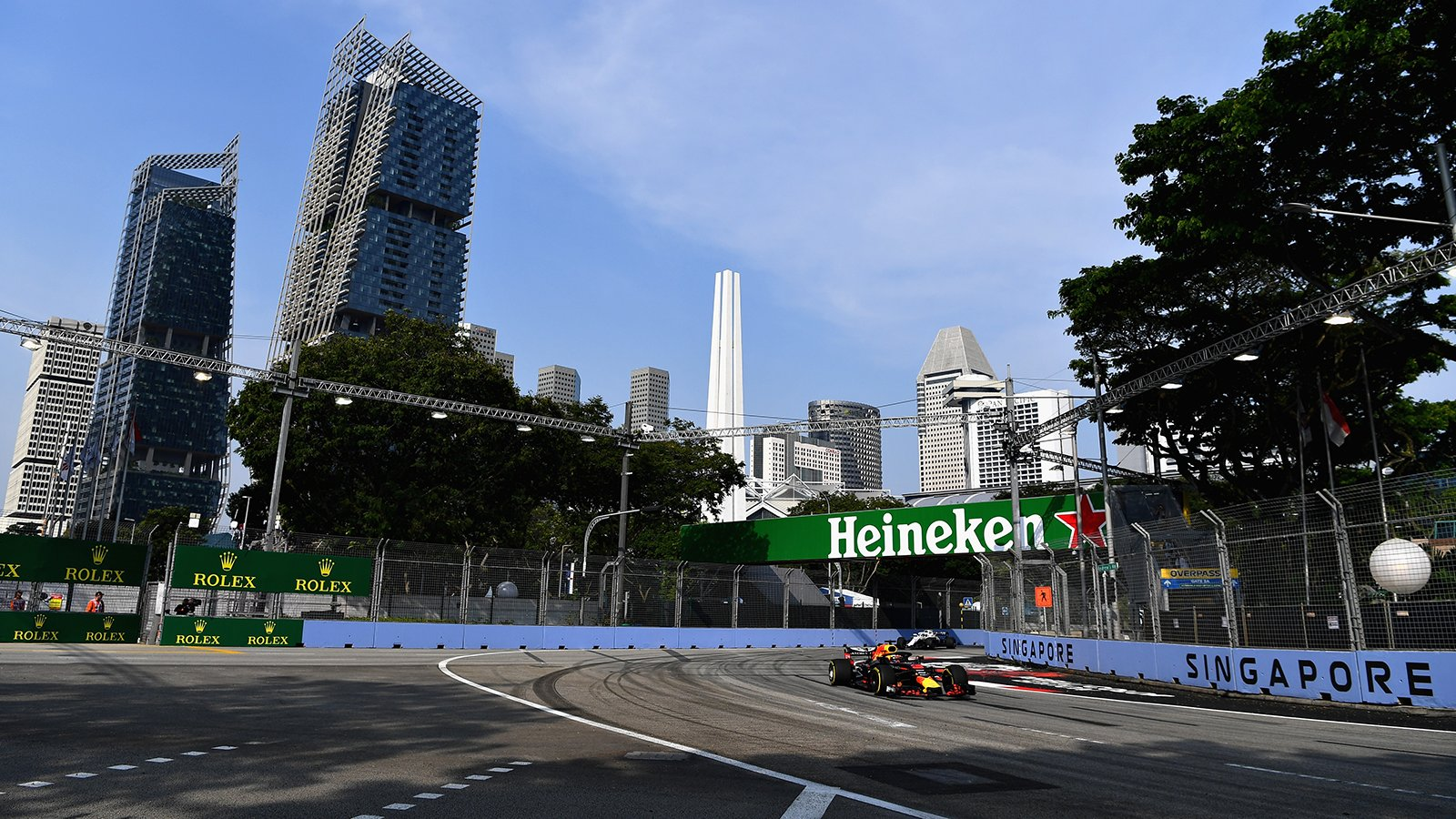 Даниэль Риккардо на автодроме Марина Бей в Сингапуре