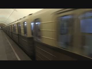 Ретро-поезд Сокольники на станции Кировская 25.11. 2018