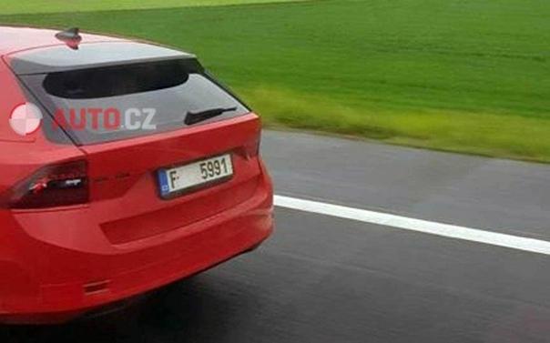 Новая Soda Octavia: появились фото почти без камуфляжа. Автомобиль избавился от неоднозначных двойных фар и станет «современным произведением искусства».Soda не так давно объявила о планах