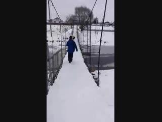 Оршанец прыгнул с моста в реку на Крещение