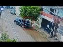 В Бразилии велосипедист чудом остался жив после наезда не него автомобиля