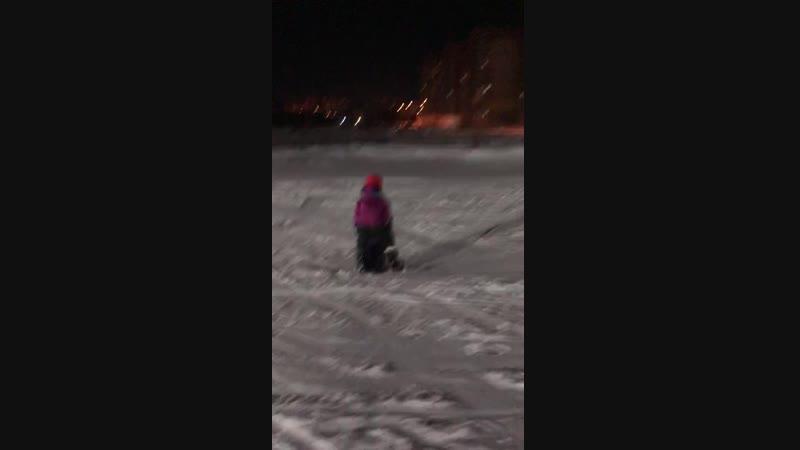 вот и Демид «встал»на сноуборд