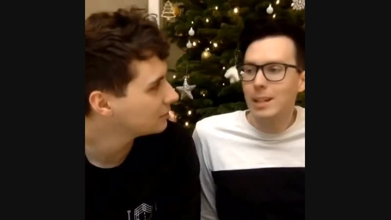 Dan snapping at phil while phil just stares off into the void has got to be the funniest thing ive seen today