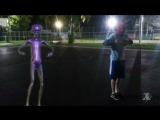 Howard The Alien vs Spidey Dance Battle