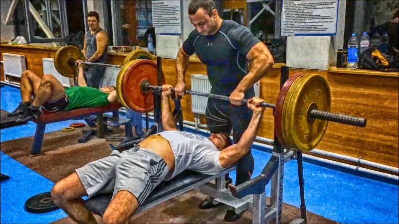 Жим лежа 130 кг 10.09.2018 года (Иван Тулаев).