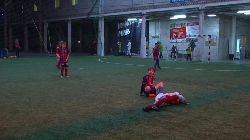 Мини-футбольный турнир «Додо Пицца ДФЛ-U8» XIV тур «Метеор» — «Импульс-Б» 1:2 (19.01.2019)