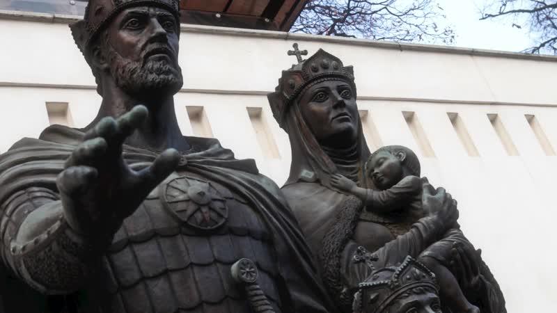 Памятник Димитрию Донскому и Евфросинии Московской