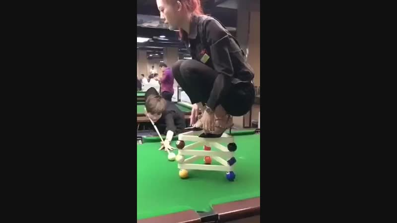 Billiards artist with the cue