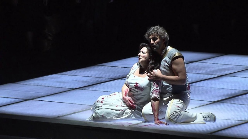 Krassimira Stoyanova and Jonas Kaufmann in the final act of Giuseppe Verdis AIDA