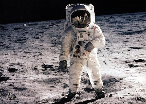 Эдвин Олдрин на поверхности Луны