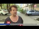 Жильцы дома по улице Воровского в Симферополе годами живут над затопленным подвалом