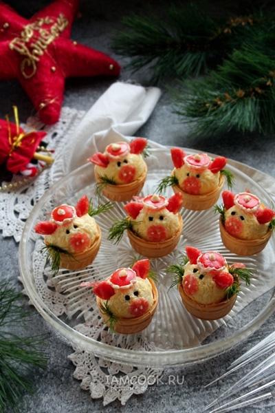 Тарталетки с сырной начинкой, в форме свинки