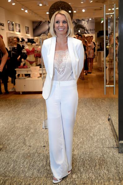 Бритни Спирс в белом