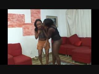 Dark skin black girl face farts light skin black girl lezdom domination facesitting.wmv - motherless.com