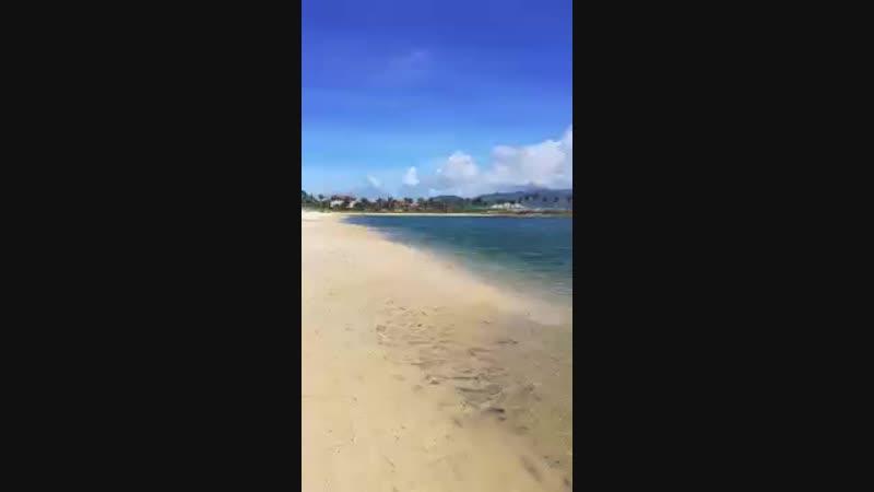 Пляж Парагон 04.12.2018. Видео из чата туристов. Заходить в воду лучше в правом .mp4