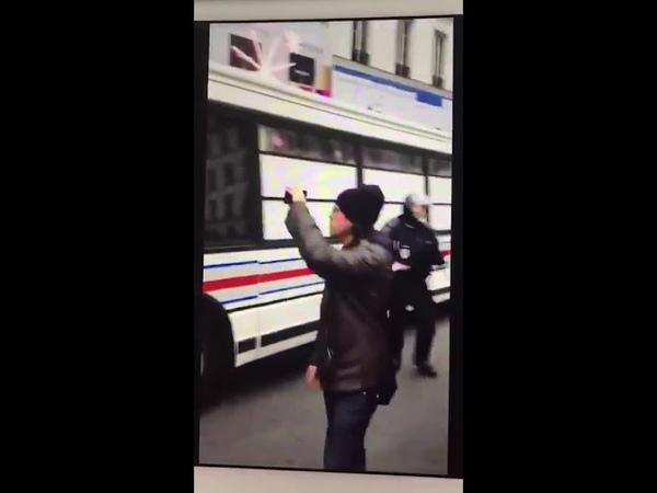 22122018 La police embarque des bus entiers de manifestant , Honte a eux
