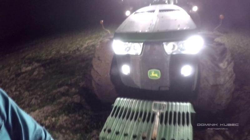 John Deere 8335R In the mud