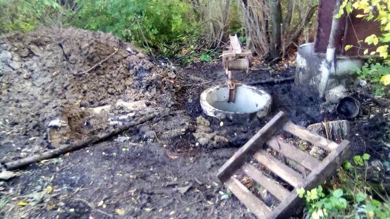 Не колодец,а резервуар для родниковой воды