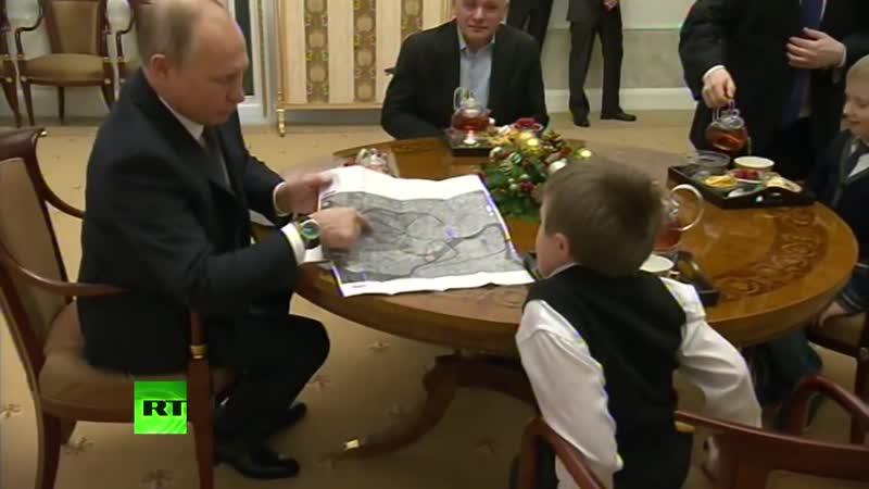 Путин подарил тяжелобольному мальчику возможность пролететь над Санкт-Петербургом