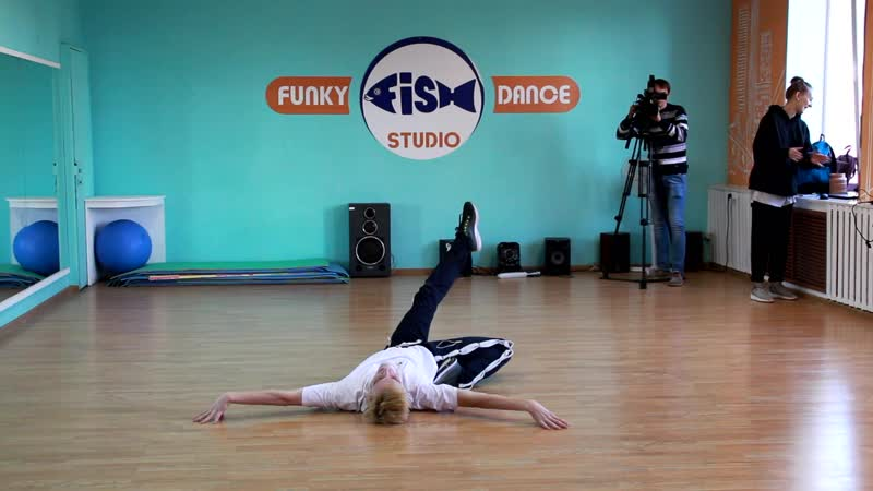 FUNKY-FISH DANCE | OPEN DAY | VOGUE